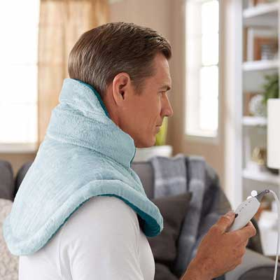 #2. Sunbeam 4 Heating Settings Auto-Shutoff Heating Pad for Shoulder & Neck Pain Relief (Light Blue)