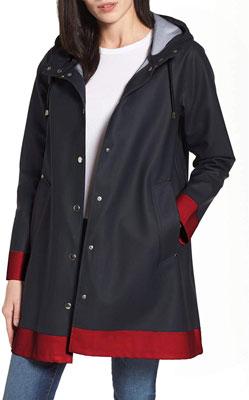 #7. SUNAELIA Outdoor Contrast Lightweight Women Jackets Waterproof Packable S-XL
