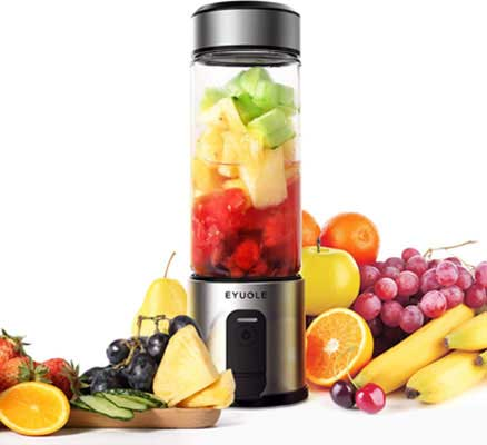 1. EYUGLE Portable Blender with Rechargeable Batteries and a Cordless Design